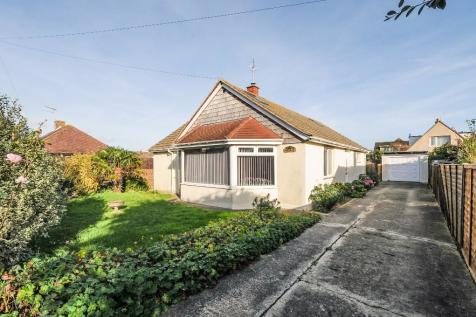 Rose Avenue, Middleton-on-Sea, Bognor Regis, West Sussex, PO22, South East - Detached / 4 bedroom detached house for sale / £390,000
