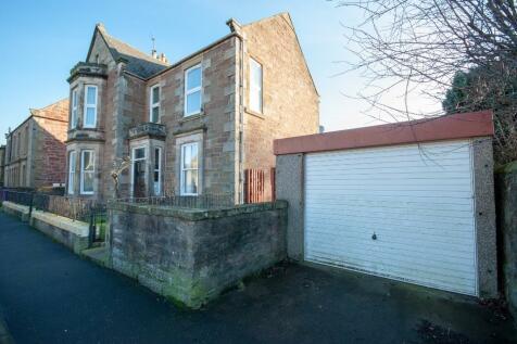 Victoria Street, Arbroath, Angus, DD11. 3 bedroom flat