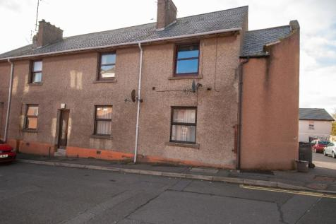 East Newgate, Arbroath, Angus, DD11. 2 bedroom flat