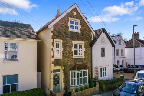 Holmesdale Rd, RH2. 4 bedroom house for sale