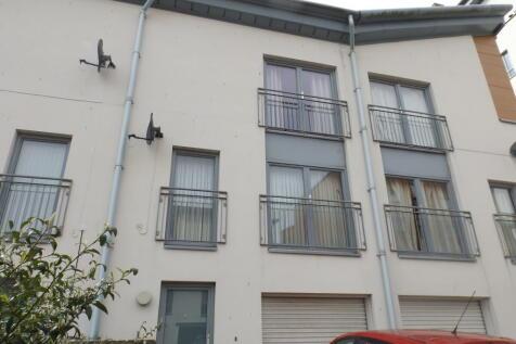 Thorter Row, City Quay. 4 bedroom town house
