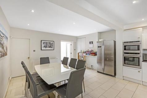 Campden Hill Road Notting Hill W8. 4 bedroom house