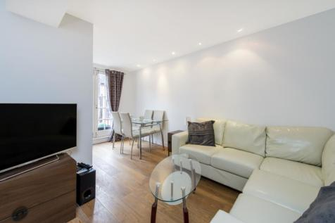 Royal Crescent Mews London W11. 2 bedroom house