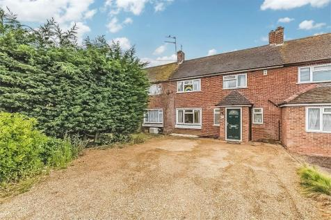 Straight Road, Old Windsor, Berkshire. 3 bedroom terraced house