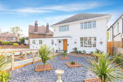 Offington Drive, Worthing, West Sussex, BN14 9PN. 6 bedroom detached house
