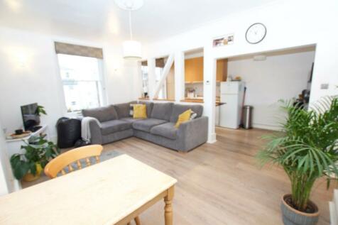 St. Leonards Road, Surbiton. 1 bedroom flat