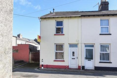 Newmarch Street, Brecon, LD3, Mid Wales - Terraced / 3 bedroom terraced house for sale / £160,000