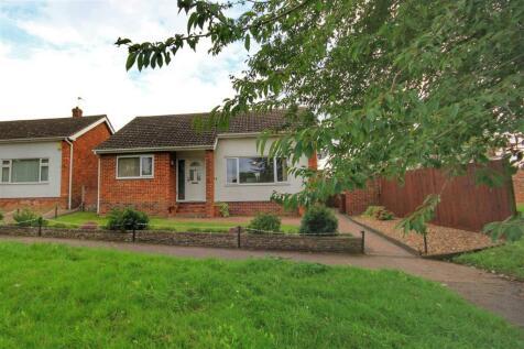 Waldingfield Road, Sudbury. 3 bedroom detached bungalow