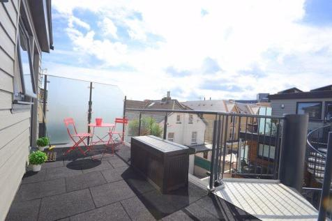 11a Southcote Road, Bournemouth. 1 bedroom flat