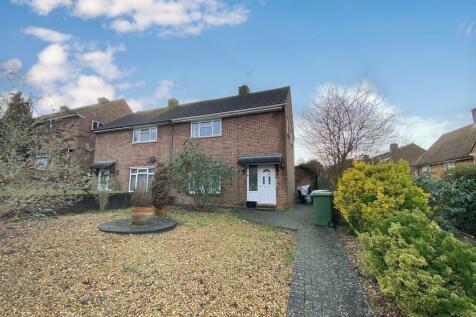 Longfield Road, Winchester. 3 bedroom semi-detached house