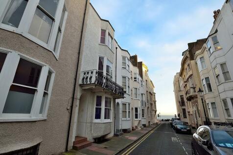 Grafton Street, Brighton, BN2 1AQ. Studio flat