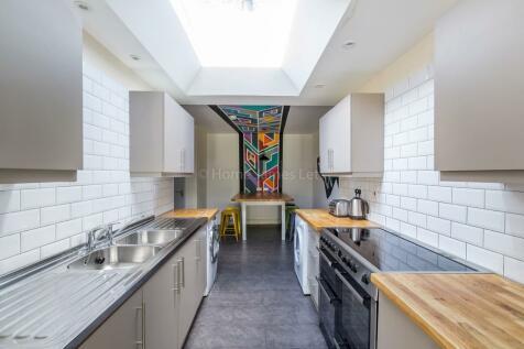 Colbourne Avenue, Brighton. 1 bedroom semi-detached house