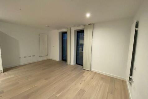 Treacle Works, Caravel House, E16. Studio flat