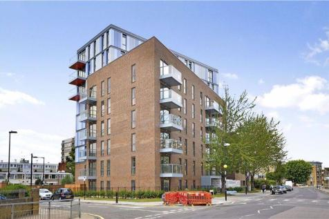 Moseley Lodge, Chrisp Street, Docklands, E14. 1 bedroom flat