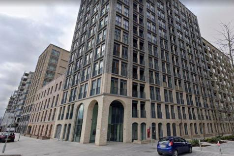 Baileys House, Nine Elms Lane, SW11. 2 bedroom flat