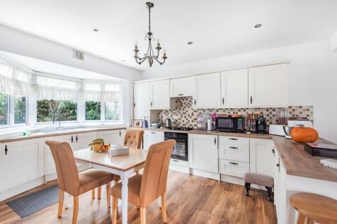 Wolfe Crescent London SE7. 4 bedroom semi-detached house for sale