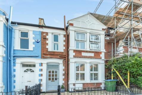 Wyndcliff Road London SE7. 4 bedroom terraced house