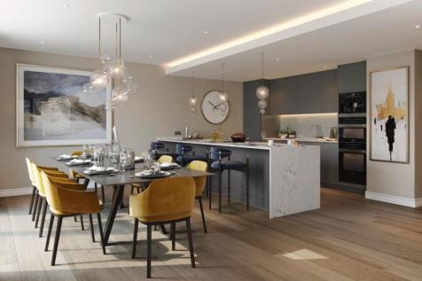 London E14. 3 bedroom flat