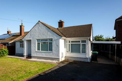 Smithy Close, Wrexham. 3 bedroom detached bungalow