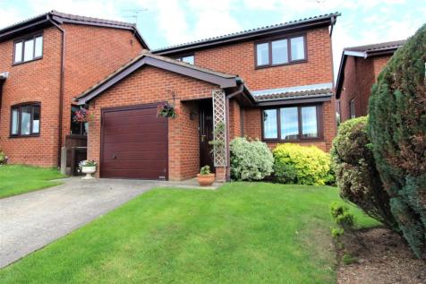 Daleside Avenue, Wrexham. 3 bedroom detached house