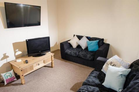 Newsham Place, Lancaster. 3 bedroom private halls