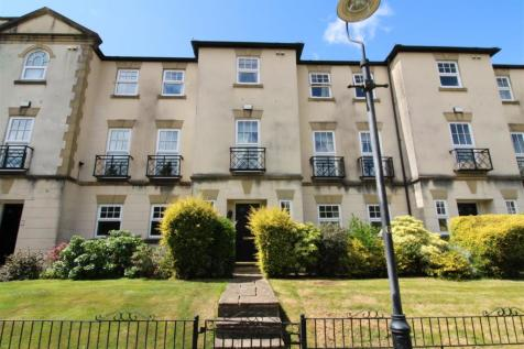 The Piazza, Lancaster. 4 bedroom town house