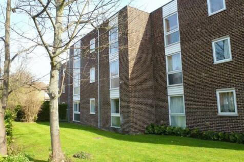 Pinkerton Court, Norbiton, Kingston Upon Thames, KT1. 2 bedroom flat