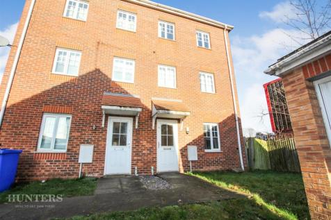 Waterlily Close, Stoke-On-Trent, Staffordshire, ST1 5PY. 4 bedroom mews house