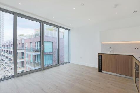 Neroli House, Piazza Walk, London, E1. Studio flat