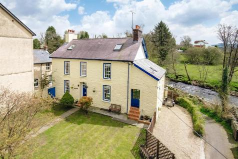 Irfon Crescent, Llanwrtyd Wells, Mid Wales - Detached / 6 bedroom detached house for sale / £285,000