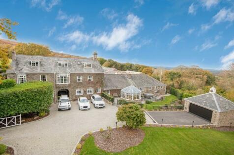 Tokenbury. 20 bedroom manor house for sale