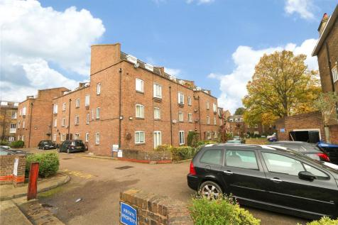 Harbord Close, Camberwell, SE5. 2 bedroom maisonette