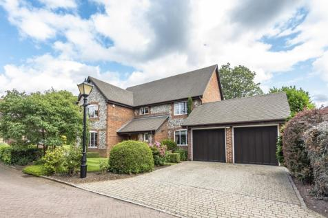 Piermont Place Bromley BR1. 5 bedroom detached house