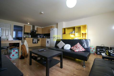 Pershore Road, Stirchley. 2 bedroom apartment