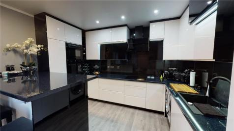 Meridian Point, Friars Road, Coventry, CV1. 1 bedroom apartment
