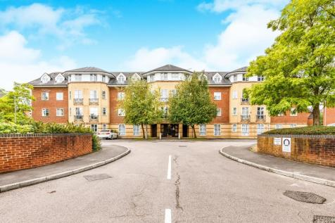 Dexter Close, St. Albans. 2 bedroom flat for sale
