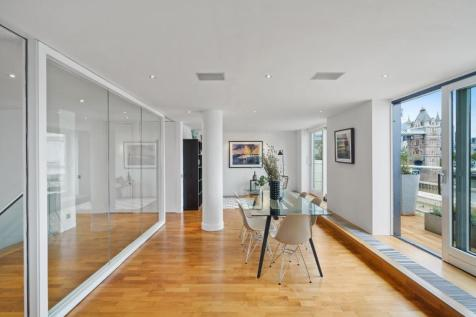Butlers Wharf Building, Shad Thames, SE1. 3 bedroom apartment
