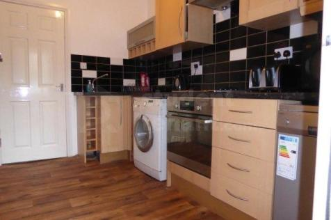 MANCHESTER ROAD. 2 bedroom house share