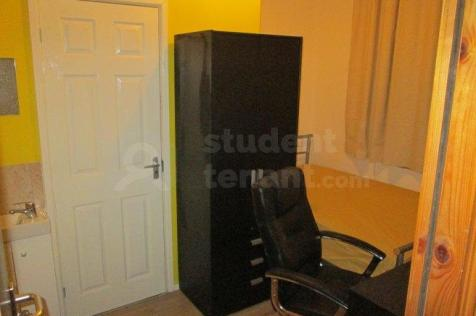 Princes Road. 1 bedroom house share