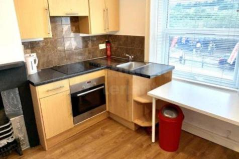 595 Manchester Road. 1 bedroom house share