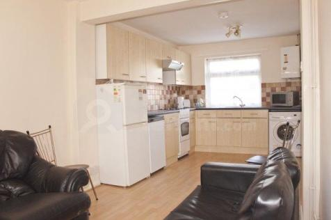 The Close, Downs Road. 4 bedroom house share
