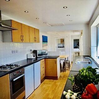 Chelmsford Street. 6 bedroom house share