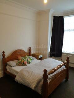NEWHAMPTON ROAD EAST. 6 bedroom house share