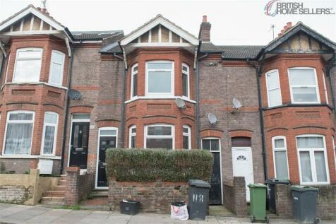 Ashburnham Road, Luton, Bedfordshire. 4 bedroom terraced house for sale