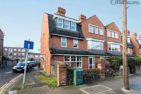 Queensthorpe Road, London. 4 bedroom end of terrace house for sale
