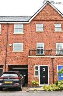 Pinders Farm Drive, Warrington, Cheshire. 3 bedroom town house