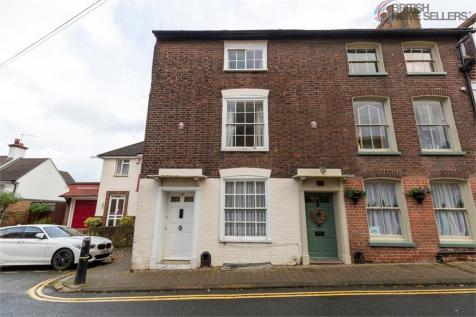 St Margarets Street, Rochester, Kent. 3 bedroom terraced house for sale