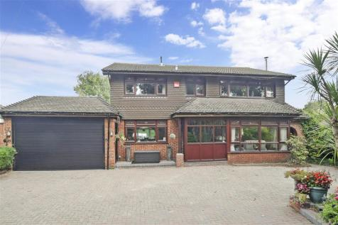 Anmore Road, Waterlooville, Hampshire. 4 bedroom detached house