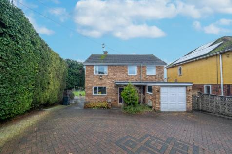 Ilchester Road, Yeovil, BA21. 3 bedroom detached house for sale
