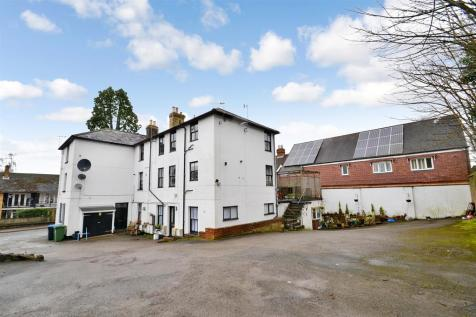 The White House, 11 High Street, Nutfield, RH1 4HH. 10 bedroom detached house